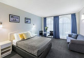 cathedral-inn-motel-bendigo-deluxe-quality-room-landscape
